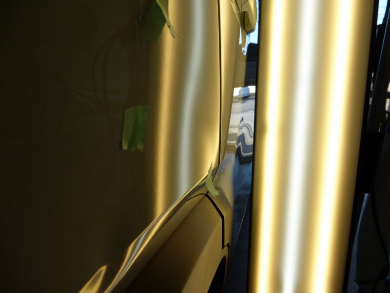 ハスラーのクォーターパネルに複数のヘコミ デントリペア【つくば市】